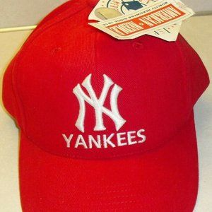 Other - New York Yankees All Red 90s Vintage strapback hat